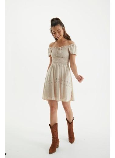 Reyon Kare Yaka İşlemeli Günlük Elbise Bej Bej